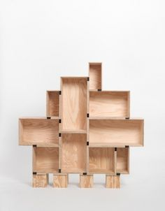 DIY: Regal aus Weinkisten | SoLebIch.de - Wohnen, Wohnungsbilder und Wohnideen #wine #diy #bookshelf #shelf #crate #wine crate