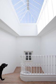 Stairwell. Baixa House by José Adrião Arquitecto. #stairwell #stairway #skylight #joseadriaoarquitecto #minimalist