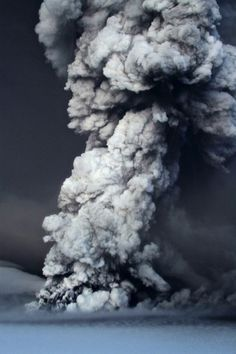 Iceland_Volcano_545573a.jpg 1000×1500 pixels #volcano #iceland #grimsvtn