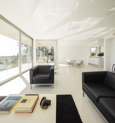 Beautiful Portuguese House Balances Indoor and Outdoor Spaces 10