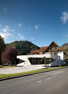 Unusual Home Addition: Bau Sallinger Office in Austria #residential #office #architecture #light