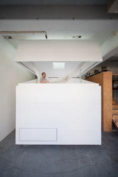 Tiny & Mobile Minimalist Cottage