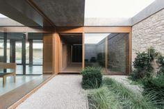 Funeral Chapel Ingelheim / Bayer & Strobel Architekten
