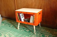 Milkcrate Hutch #crate #mesita #milk #recycled #table