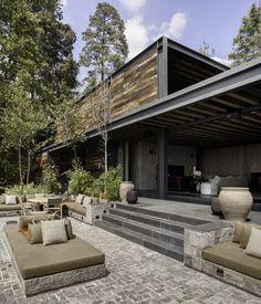 El Mirador House by CC Arquitectos / Mexico