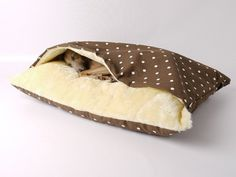 Snuggle Pet Bed by Charley Chau #tech #flow #gadget #gift #ideas #cool