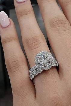 Engagement ring designers manufacture beautiful jewelry for every style and taste. Each bride will choose her beautiful engagement ring.