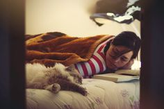 #cozy #girl #cat #book #blanket #lazy