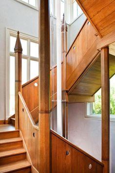 Modern design wooden stairs