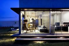 Rectangular Box House in Brasilia Revealing Inspiring Decorating Ideas #architecture