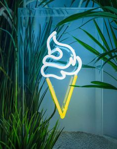 Ice Cream – Standing Neon Sign