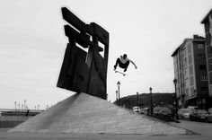 3981934749_f9912398b3_b.jpg (JPEG-Grafik, 1024x681 Pixel) #photography #blackwhite #skateboard #skateboarder #ryan allan #dylan rieder