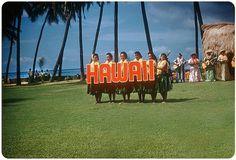 Tutte le dimensioni |Kodak Hula Show, Honolulu — 1960 | Flickr – Condivisione di foto! #hawaii #vintage