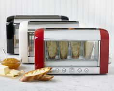 Ensure you never burn your bread again! Magamix's Vision Toaster allows you to watch your toast from start to finish. #modern #design #product #industrial #innovative