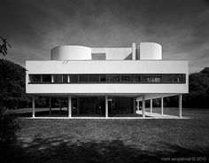 Alle Größen | Villa Savoye -Le Corbusier | Flickr - Fotosharing! #mark #savoye #corbusier #architecture #le #sengstbratl #4x5 #villa