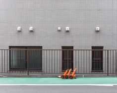 Ordinary Backdrops of #Japan by Louise de Belle