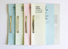 Una mundo, una caja, una cartera y un par de gafas #editorial