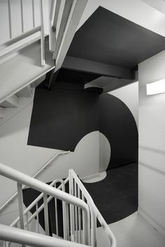 Communication Design: Paula Scher; Environmental graphics for Bloomberg L.P. corporate headquart ...