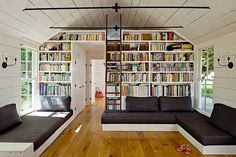 Tiny House by Jessica Helgerson Interior Design #bookshelf #houses #livingroom