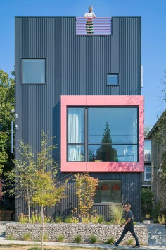 Big Mouth House / Best Practice Architecture & Hybrid Architecture