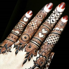 Intricate Traditional Finger Mehndi Design