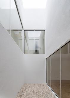 Casa Brotero by PHDD Arquitectos