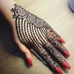 Chain Pattern Mehendi Design Ideas