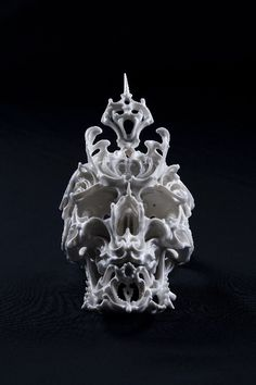 Predictive Dream by Katsuyo Aoki #skull #porcelain
