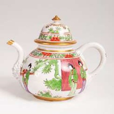 Very rare early Meissen, K. P. M - teapot with Chinese scenes. #Sets #Teasets #Porcelainsets #Antiqueplates #Plates #Wallplates #Figures #Porcelainfigurines #porcelain