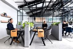 Modern Warehouse Conversion in the Creative Hub - InteriorZine #office #interior #decor