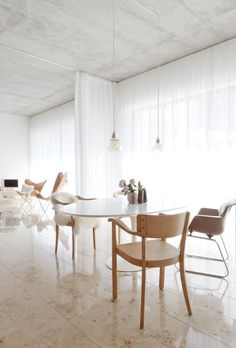 Intimate dining area. House CAL by Studio OINK. © Studio OINK. #diningroom