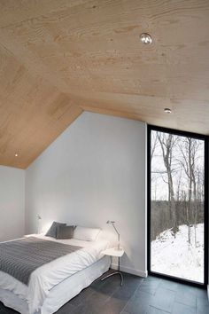 Quebec Country House Consisting of Two Stacked Volumes 10