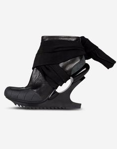 Ankle boots Women Shoes Women on Y 3 Online Store #ankle #boots #black #y3