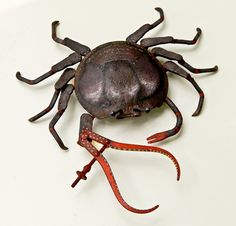 How to Photograph Art #sculpture #scrap #metal #animal #crab
