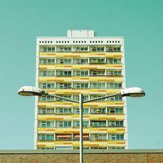 Paisajes Urbanos de Matthias Heiderich | Camionetica.com | Cultura Visual y Proyectos Creativos #lightpost #color #germany #minimalism #photography #architecture #building
