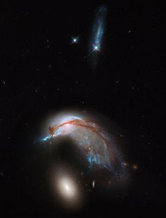 CJWHO ™ (Galaxy Crash Spawns Space Penguin in Hubble...)
