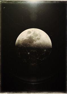 tumblr_l5vgffu7hF1qzhl9eo1_500.jpg 500×700 pixels #moon
