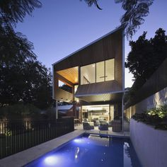 Dynamic Modern Architecture: Imposing Wilden Street House in Australia #australia #architecture #modern