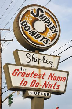 SHIPLEY DO-NUTS #shipley #donuts #sign #houston #signage #typography
