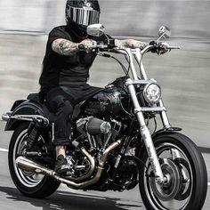 ⚡️Club Style @_ben_e_evs_ ⚡️#StayWildStaySick Bobber Chopper Harley Davidson Motorcycle Lifestyle Custom Culture