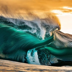 Ocean Pictures: Majestic Wave Photography by Andrew Semark