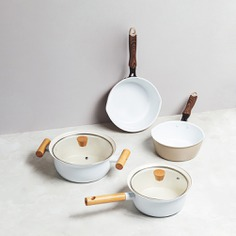 The ceramic coating of this minimalist cookware line ensures a great resistance to corrosion as well as incredible durability. It also allows for it to be used with both a heat induction system as well as gas fire. With a simple functional design, they are also beautiful to display in your kitchen.