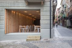 arnau estudi d'arquitectura clads spanish restaurant with timber slats #spain