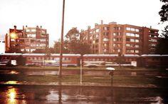 6388819125_dc6b4e2aac_b.jpg (JPEG Image, 1024x641 pixels) #train #city #rain #bogota