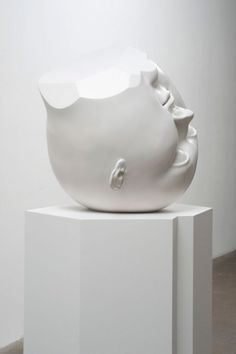 Tanya Batura | PICDIT #sculpture #white #head #black #art