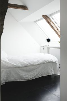 Bedroom. Humlebaek House by Norm.Architects. #bedroom #humlebaekhouse #normarchitects #beam #wood