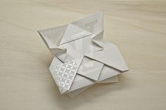 Louis Vuitton — Invitation Origami | Happycentro #pattern #invitation #print #origami #tone #typography