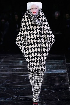 Alexander McQueen: Fall 2009 | Sgustok Design