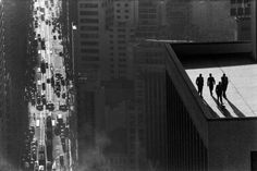 http://dirtycartunes.com/post/14555585214/minusmanhattan sao paulo brazil by rene burri #white #black #roof #photography #and