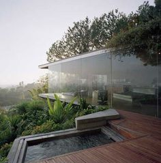 Glass Wall Home in the Hollywood Hills #architecture #facades